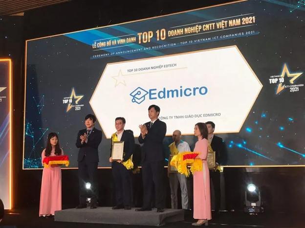Edmicro cùng nền tảng giáo dục trực tuyến Onluyen.vn nhận giải thưởng TOP10 Công nghệ giáo dục 2021
